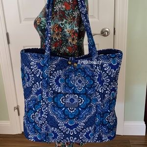 Vera bradley blue tapestry large tote quilted !
